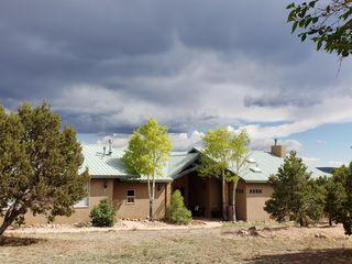 32 Woodlands Dr, Tijeras, NM 87059