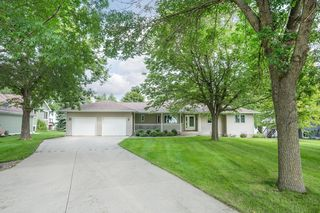 460 S Andrew Dr NW, New London, MN 56273
