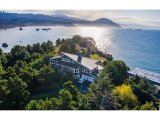 725 King St S, Port Orford, OR 97465
