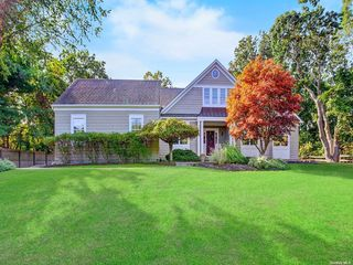 105 N Woods Dr, Wading River, NY 11792