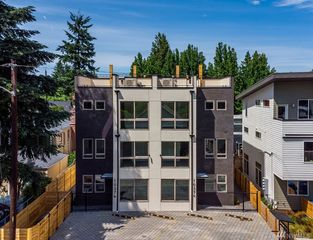 1037 S Cloverdale St #B, Seattle, WA 98108
