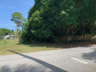 SE Alamanda Way, Stuart, FL 34994