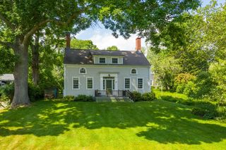 627 Haley Rd, Kittery Point, ME 03905