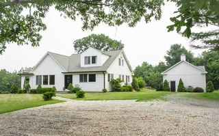 1107 Old Quaker Hill Rd, Pawling, NY 12564