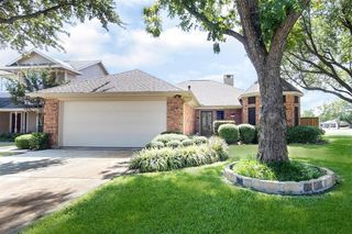 319 Forestwood Dr, Forney, TX 75126