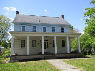 1059 Bedford St, Claysburg, PA 16625