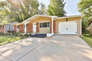 11928 Longmont Dr, Maryland Heights, MO 63043