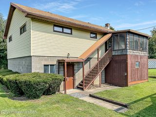 14 Division St, Pittston, PA 18640