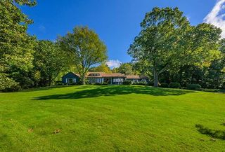 610 Stanford Rd, Millbrook, NY 12545