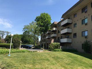 290 N Westgate Rd #216, Mount Prospect, IL 60056