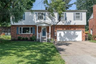 4686 Highland Dr, Willoughby, OH 44094