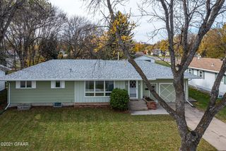 1615 4th Ave NW, East Grand Forks, MN 56721