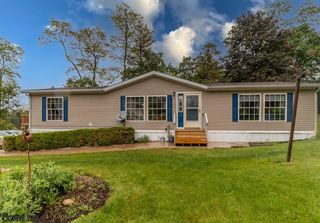 142 Shawver Ln, Pine Grove Mills, PA 16868
