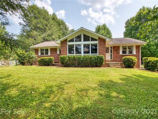 5344 Crabtree Mountain Rd, Clyde, NC 28721