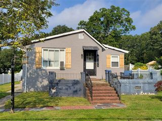 1272 Connetquot Ave, Central Islip, NY 11722