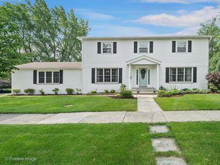 1318 E Hawthorne Blvd, Wheaton, IL 60187