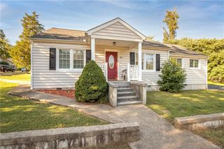 21511 Court St, South Chesterfield, VA 23803