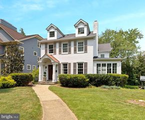 4505 Elm St, Chevy Chase, MD 20815