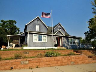 241 S 5th St, Hot Springs, SD 57747