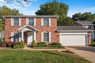 140 Brighthurst Dr, Chesterfield, MO 63005