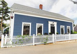8 Central St, Provincetown, MA 02657