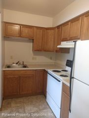 1105 N Depot St #15, Knoxville, IA 50138