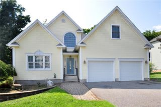 32 Sovereign Rdg, Cromwell, CT 06416