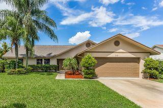 77 Cedar Cir, Boynton Beach, FL 33436