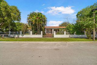 825 SW 28th Rd, Miami, FL 33129