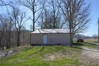 13871 Johnson Rd, Fieldon, IL 62031