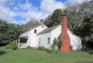 135 Harry Wells Rd, Saugerties, NY 12477