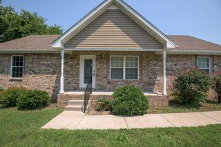 818 N Palmers Chapel Rd, White House, TN 37188