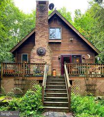 3856 Applegate Rd, Lake Ariel, PA 18436