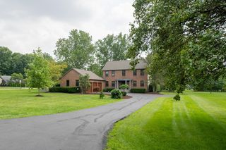 4475 Millwater Dr, Powell, OH 43065