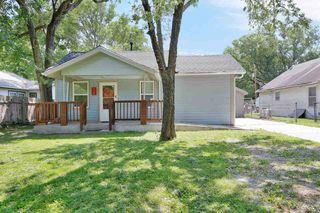218 N Poplar St, Douglass, KS 67039
