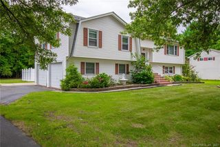 32 Filley St, Bloomfield, CT 06002