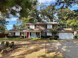 9101 Holmes Ln, Texarkana, TX 75503