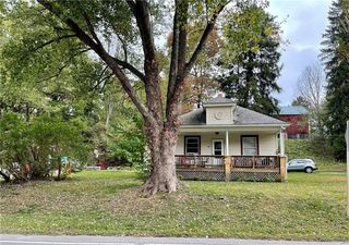 982 Portersville Rd, Ellwood City, PA 16117