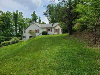 10124 Sugar Camp Creek Rd, Bent Mountain, VA 24059