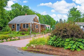 12 Atwater Rd, Collinsville, CT 06019