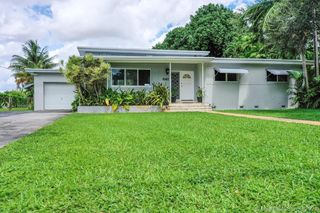 1067 Hunting Lodge Dr, Miami, FL 33166