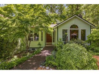 10208 SW 32nd Ave, Portland, OR 97219