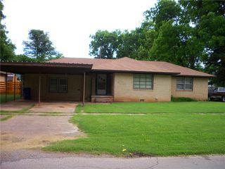 506 W Chickasaw St, Lindsay, OK 73052