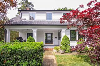 38 Petersville Rd, New Rochelle, NY 10801