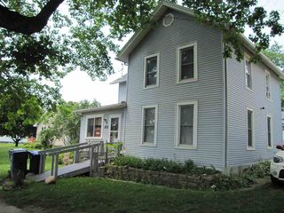 305 Broadway St, Oxford Junction, IA 52323