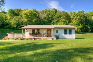23797 315th Ave, Henderson, MN 56044