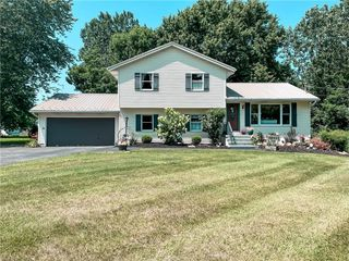 2256 Lester Rd, Valley City, OH 44280