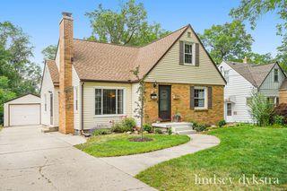 1533 Gladstone Dr SE, Grand Rapids, MI 49506