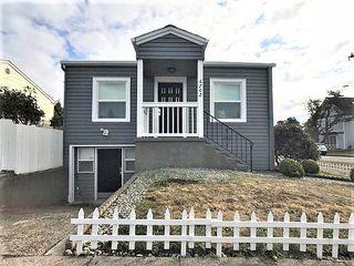 6702 Linden Ave N, Seattle, WA 98103