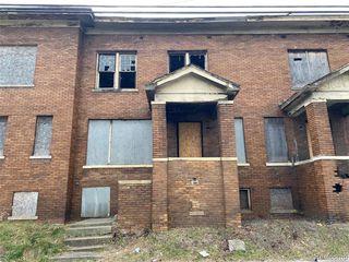 6834 Charlevoix St, Detroit, MI 48207